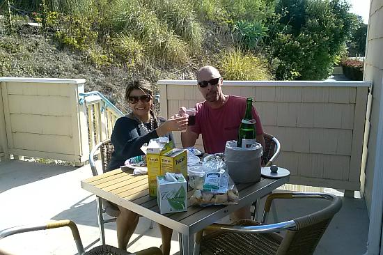 Malibu Country Inn: Lunch on the deck