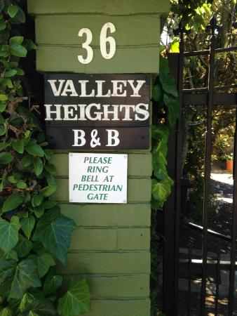 Valley Heights Guest House : Outside the B&B