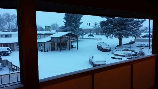 Super 8 Salida: View from upstairs