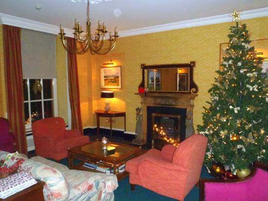 Pembroke Townhouse: Parlor/Lobby area before Christmas