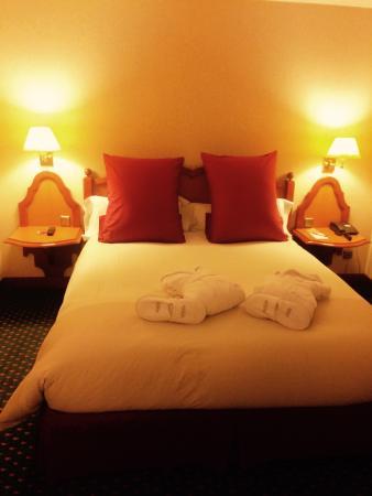 Hotel Mercure : Cama matrimonial