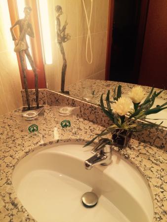 Hotel Mercure: El baño