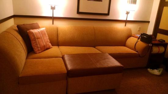 Hyatt Place Bethlehem: lovely couch/seating