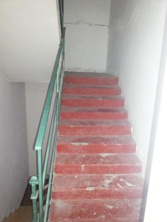 Imperial Hotel: Staircase in the hotel