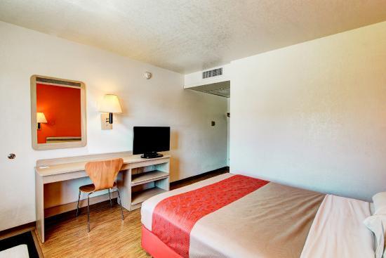 Motel 6 Denver - Airport: Guest Room