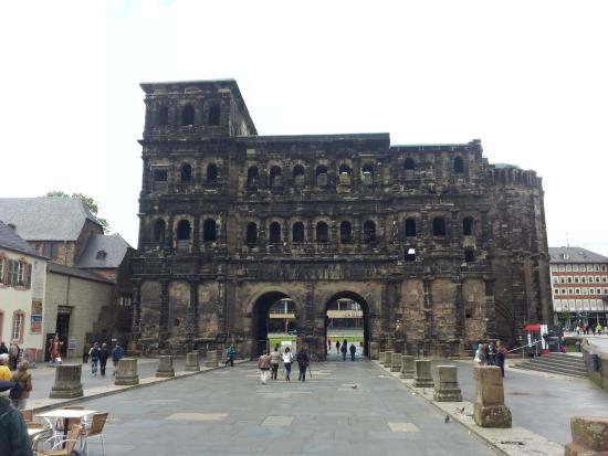 Secrets of the Porta Nigra: Черные Ворота Трира