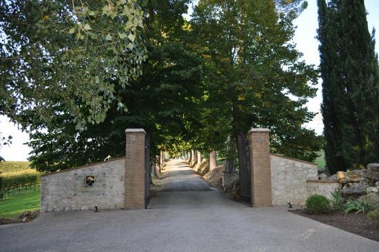 La Limonaia di Villa Acquaviva : Front Gate