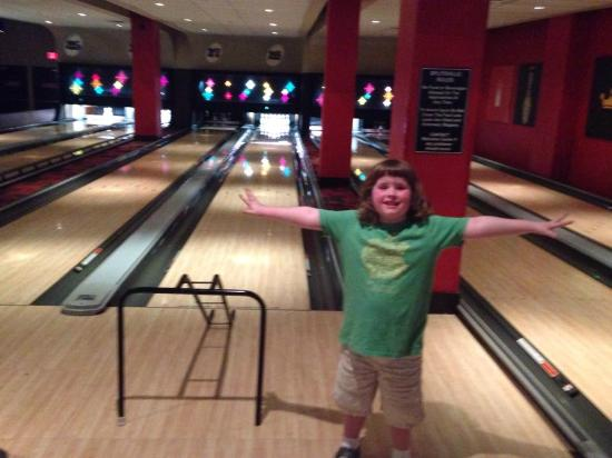 Splitsville Luxury Lanes: Katie was a winner with bumpers on the lanes!