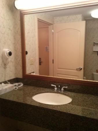 Rockaway Hotel: Bathroom