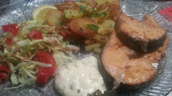 Ostseebad Rerik, Γερμανία: Lachssteak mit Bratkartoffeln
