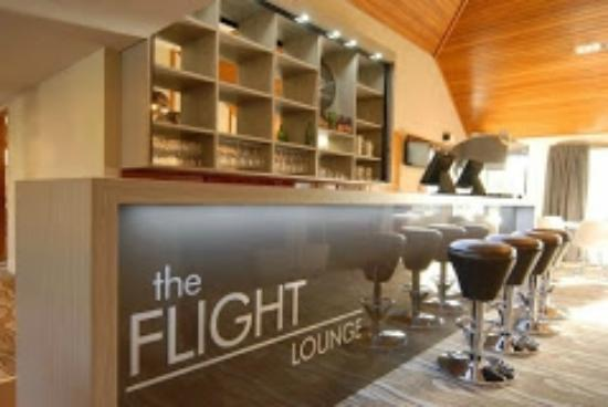 Flight Lounge Restaurant and Bar