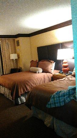 Ameristar Casino Hotel Vicksburg : room at Ameristar hotel. 2 qn nonsmoking