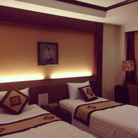 La Belle Vie Hotel: Bedroom, super comfy beds