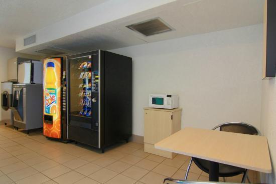 Motel 6 Rapid City: Vending
