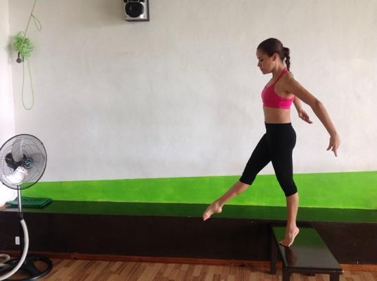 Shanti Studio Dance & Fitness: Precipicio