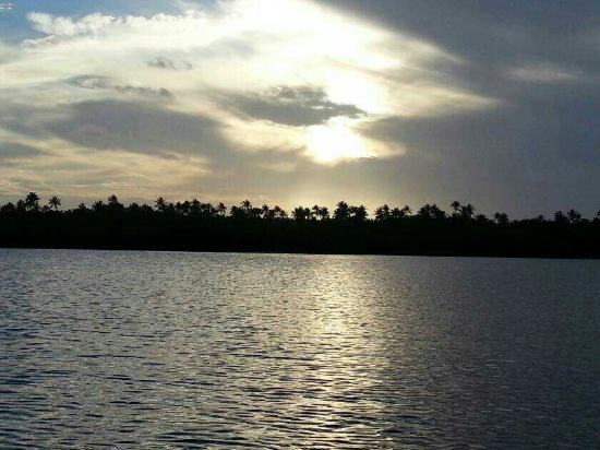 Suenos del Mar: In the bio lagoon before sunset  SPRAYGUN