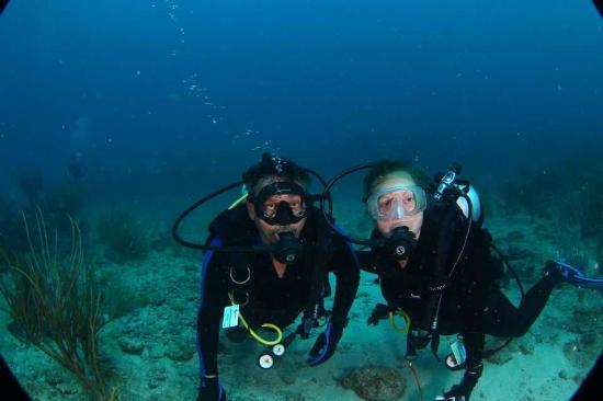 Simpson Bay, Saint-Martin / Sint Maarten: Mary and Mike