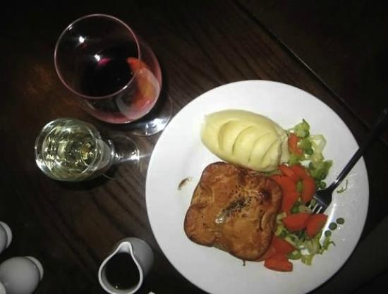 Green Man: Perfect together - Chicken, Chardonnay & Pancetta Pie and mulled wine!