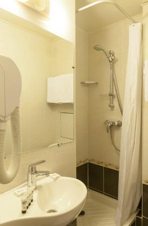 Hotel de la Felicite : Bathroom