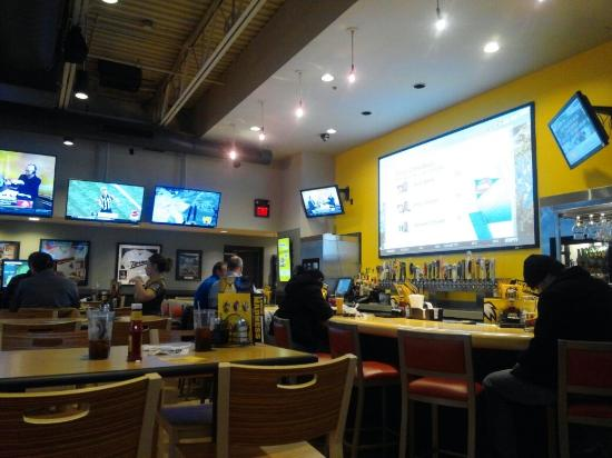 Buffalo Wild Wings Savage Restaurant Reviews Phone Number Photos Tripadvisor