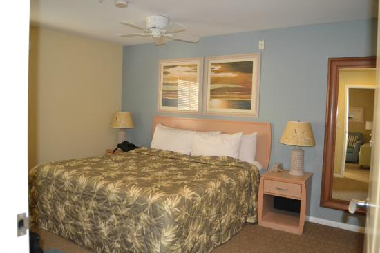 WorldMark San Diego - Mission Valley: Master bed