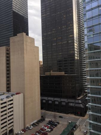 Club Quarters Hotel in Houston : View from my room