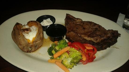T Bonz Steakhouse of Augusta: 12oz Prime Rib