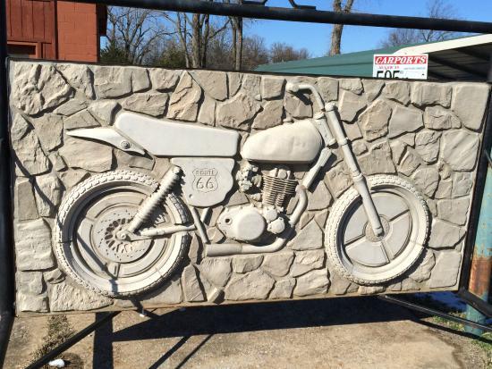 Seaba Station Motorcycle Museum: Wall outside