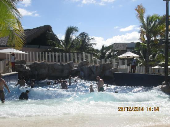 Piscine vagues picture of memories splash punta cana for Club piscine vaudreuil