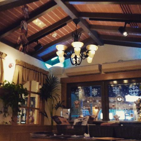 Olive Garden - Dubai: Inside