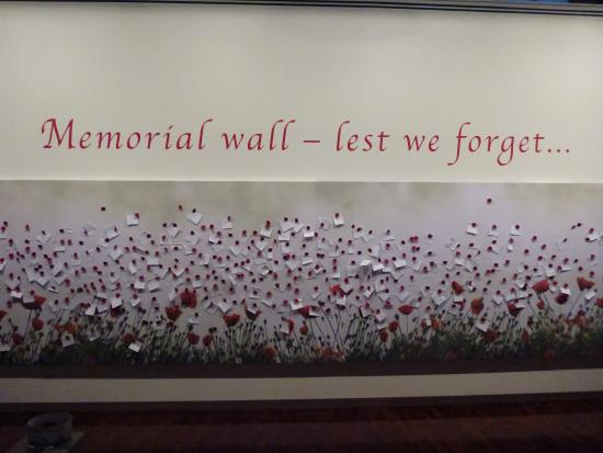 Queen Victoria Museum & Art Gallery: Beautiful ANZAC wall for 2015