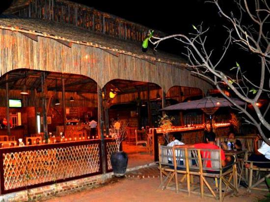 HTI Bar & Restaurant : HTI Bar during the lightning festival