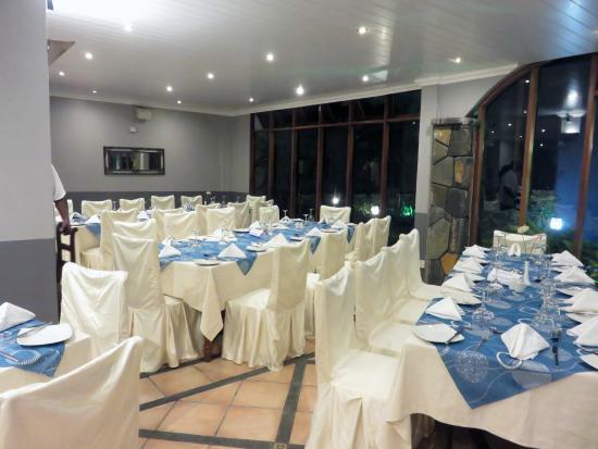 Gold Beach Resort: Un mariage Hindou dans l'hôtel. Les tables sont en fête