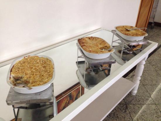 Premium Vila Velha Hotel: 朝食、三種類のパイ。