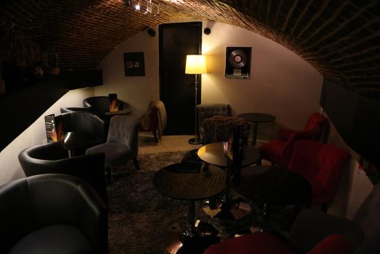 notre cave am nag e picture of au verre dit vin rouen tripadvisor. Black Bedroom Furniture Sets. Home Design Ideas