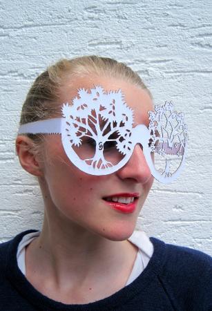 Devon Guild of Craftsmen: Guild Member Helen Snell - papercut design