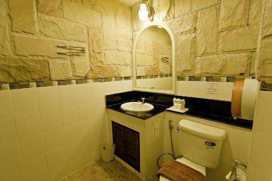 Andaman House: Bathroom