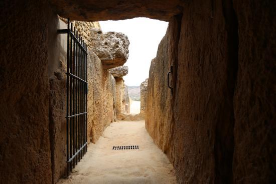 แอนติเครา, สเปน: проход