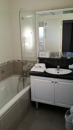 La Closerie Honfleur : salle de bain