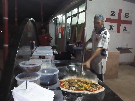 Pizzeria Regina: Big pizza