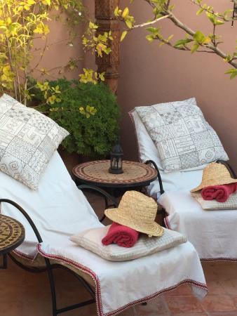 Riad Saba : Seeking for the sun at the terrace