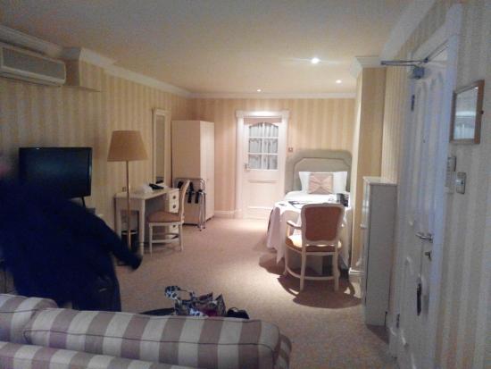 Killarney Royal: Large bedroom