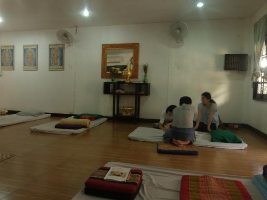 Loi Kroh Traditional Thai Massage and Yoga : The class