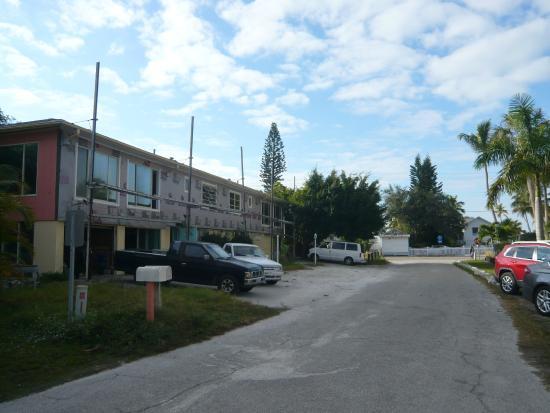 Palm Terrace Resort: Espace extérieur