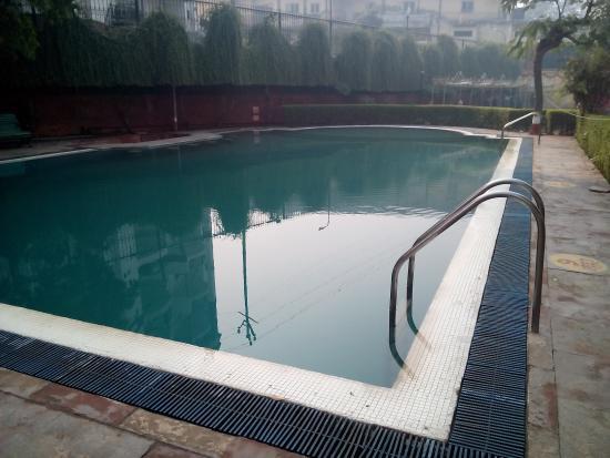 Hotel Atithi, Agra: Swimming Pool