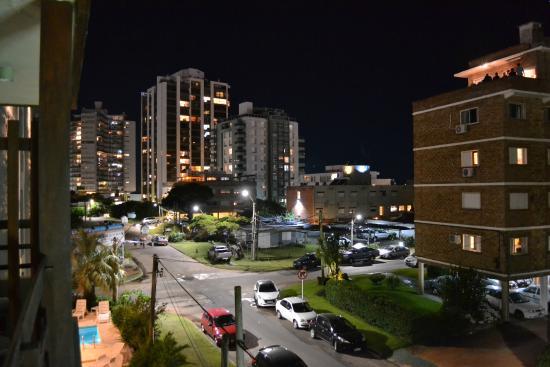 Hotel Dollar: Vista desde el balcón de habitación 202