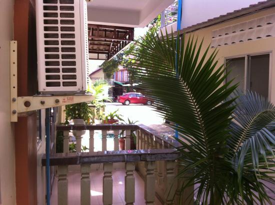 Sakal Bungalows: le balcon