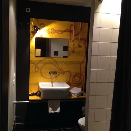 Superbude Hotel Hostel St.Pauli: bathroom