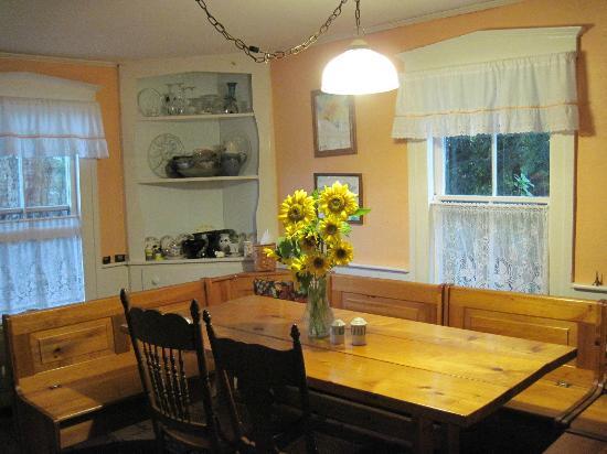 Rowe, MA: Our sunny diningroom