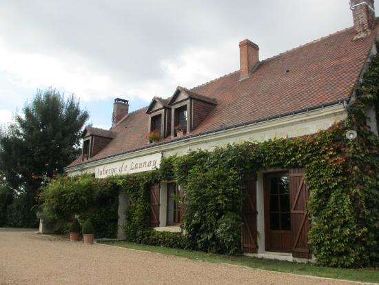 Auberge de Launay: Front of B&B